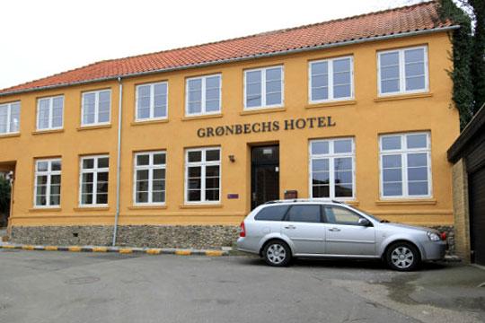Grønbechs Hotel i Allinge sættes til salg
