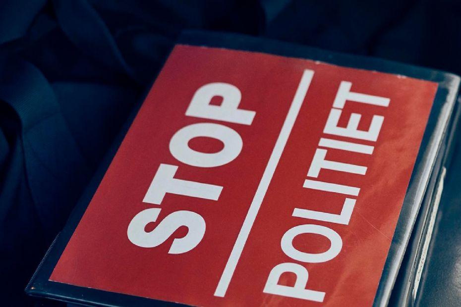 Bøde for ikke at standse for fuldt stop